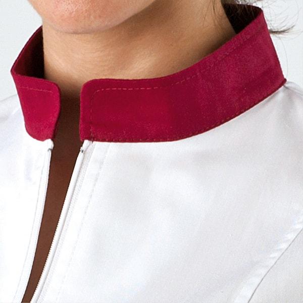 divisa donna con zip, particolare del collo