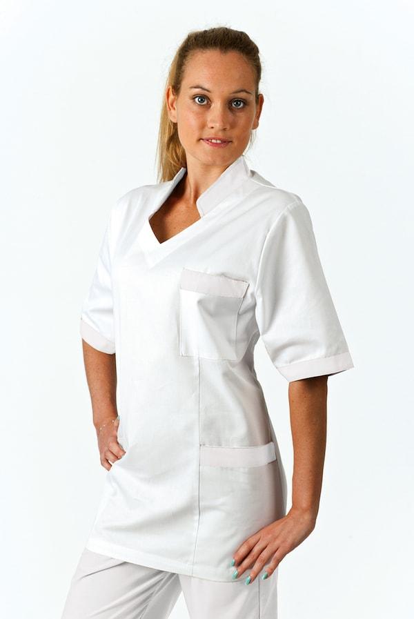 Solo infermiera bianca o colorata